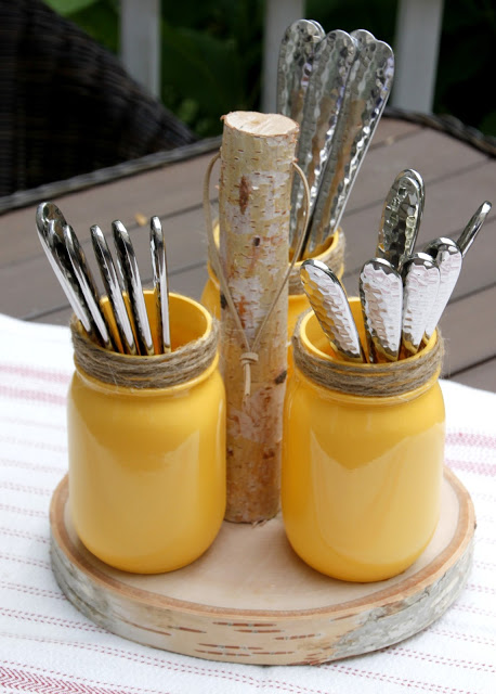 HGTV-MCaughey-rusticutensilholder mason jar utensil holder