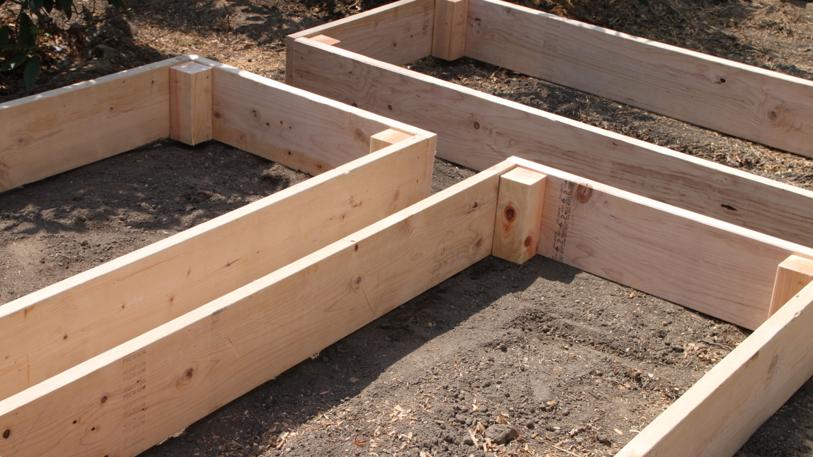 Picture of: Easy Diy Raised Garden Beds Tilly S Nest