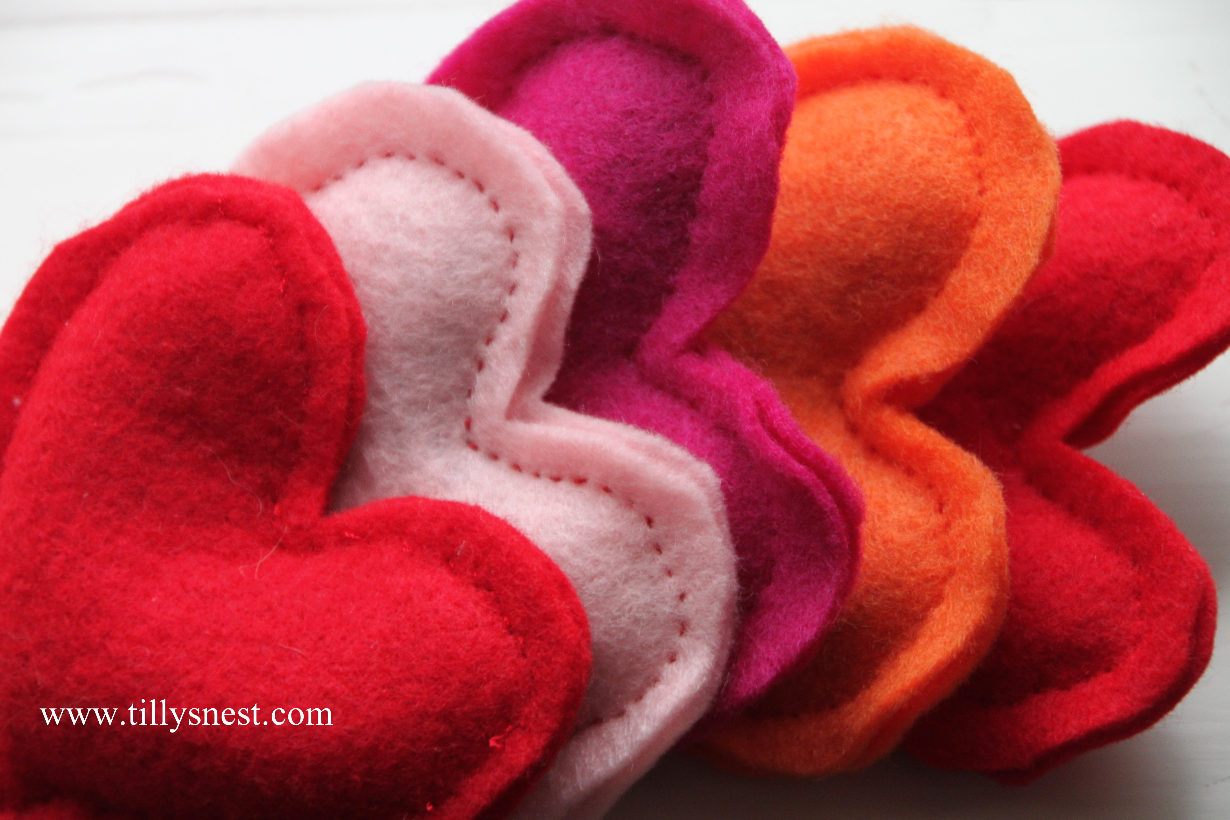 Felt heart handwarmers- Tilly's Nest