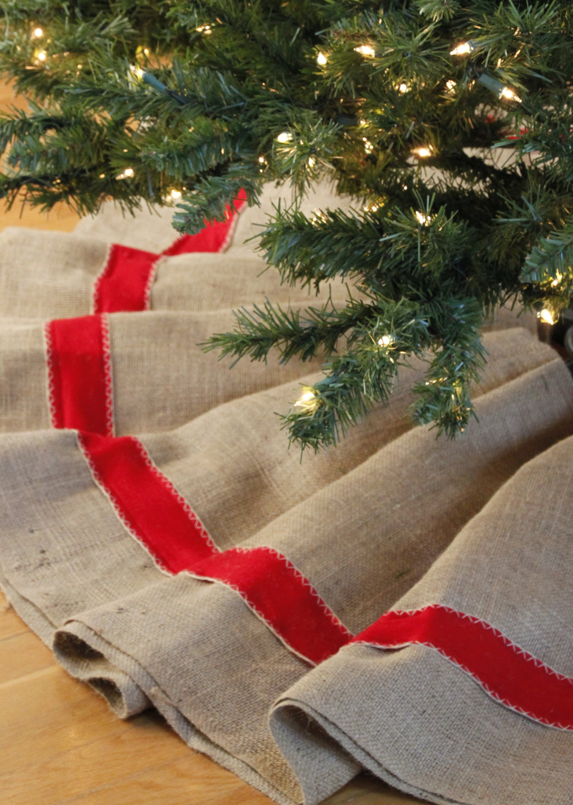 Tillys Nest Christmas Tree Skirt Tutorial