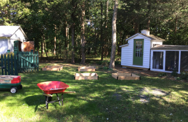 original_caughey-melissa-raised-garden-beds-3