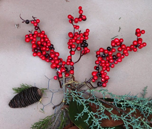 create the chicken wreath wattle
