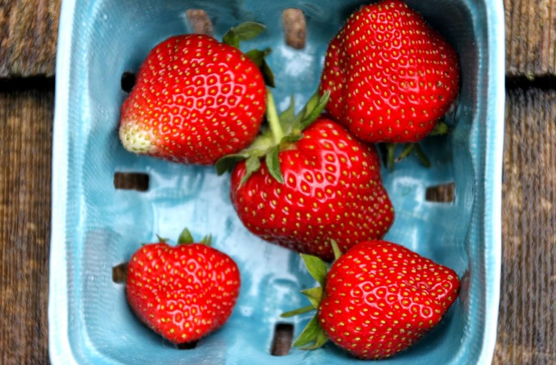 Tillys-Nest-strawberries