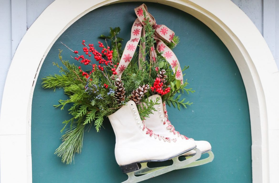 Original-Caughey_Melissa-iceskate-wreath-9