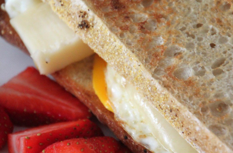 TillysNest-friedeggsandwich